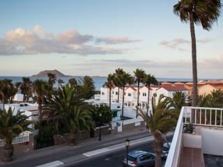 Beautiful apartment with seaviews, Corralejo