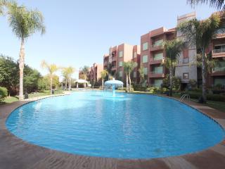 Appartement tout confort, clim, piscine, jardin, Marrakesch