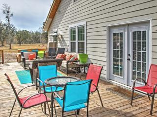 Sensational 4BR Midway House w/Large Private Deck