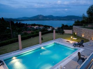 Private swimming pool with amazing view