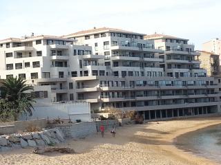Appartement neuf dans rés. front de mer sur plage, Propriano