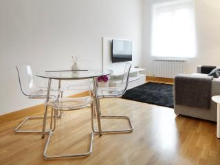 Novedades Apartment  - City centre by the beach, San Sebastián - Donostia