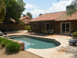 Beautiful home near Kierland Restaurants and Shops, Scottsdale