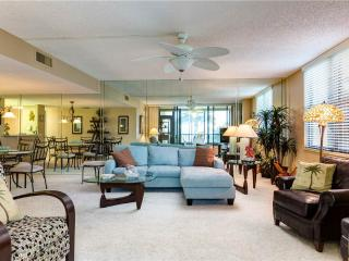 Gulf and Bay Club 108D, 2 Bedroom, Beach Front, Ground Floor, Sleeps 4, Siesta Key