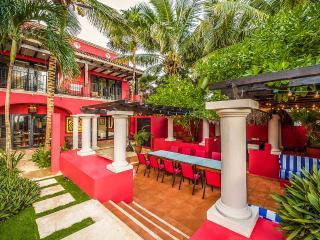 Casa Buena Suerte - Soliman Bay, Sleeps 12