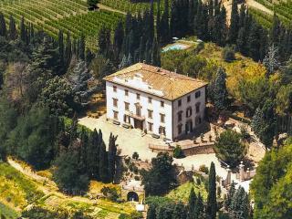 Villa Mimosa, Sleeps 12, Siena