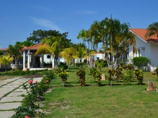 Villa Bella 300 m to the Beach and 1 km to Golf, Playa Coronado
