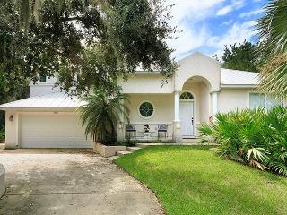 Sweet Symphony, 3 Bedrooms, Minutes to Beach, Sleeps 6, Saint Augustine