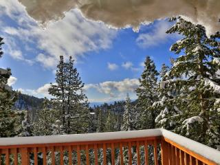 Upscale Cabin Near Heavenly Ski and S. Lake Tahoe