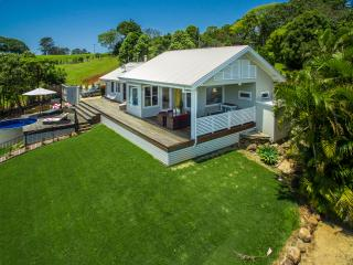 The Bails a Hinterland Retreat   **No Schoolies**, Byron Bay