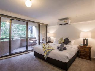 StayCentral New - St Kilda Road 4 BR, 2 BA, Melbourne