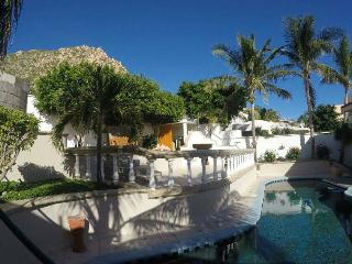 Oceanview Beach Cottage One Block from the Pacific, Cabo San Lucas