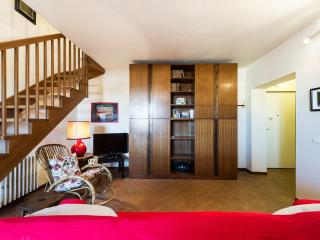 Nice two-room apartment near the Duomo