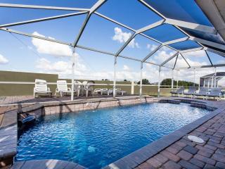 DizneyVista Villa - 5 Bed home with pool spa & bbq