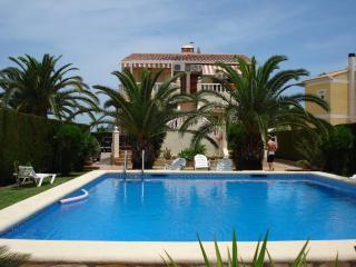 Casa Hermosa, Oliva