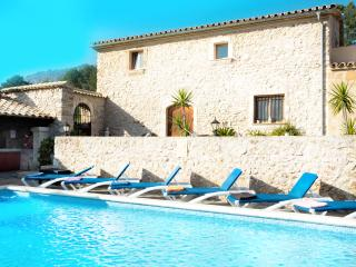 Sunbathe by the Pool in Villa Campet Gran, Pollenca