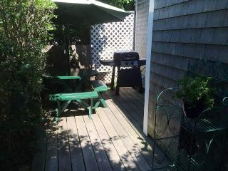 2 Bedroom 1 Bathroom Vacation Rental in Nantucket that sleeps 4 -(10149)