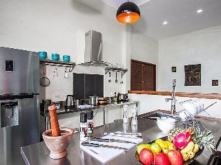 Paritta Sky Villa A – 2 villas with 3 beds each, Laem Set