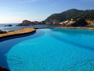 Espectacular Apartament amb terrassa sobre el mar