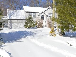 Newly Furnished Pocono Mountains Retreat, Stroudsburg