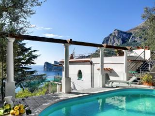 Villa Granseola, Amazing pool and sea view, Nerano