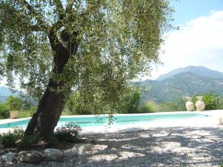 Stunning Mountain Views with Secluded Private Pool, Nice