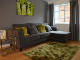 Inspired - 2 Bed Executive Apartment, Salford
