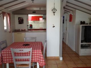 Bel appart 50 m2+35 m2 terrasse prést. haut gamme, Draguignan