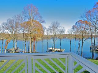 Panoramic Lake Views & Modern Updates, Moneta