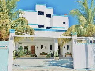 1BR Corales Cozy Suite by the Ocean with Garden View, ground floor