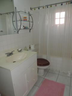 en-suite bathroom #1