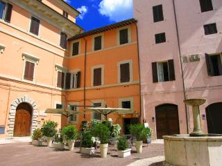 Terrazza Fontana/LUXURY/Sleeps 4/Car Unnecessary, Spoleto