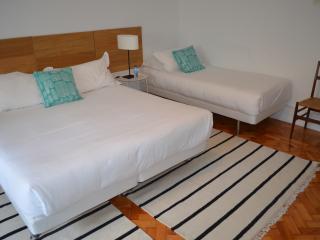 71 Castilho Guest House | Triple Bedroom, Lisboa