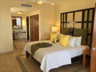 Beautiful 2 Bedroom Condo, Cabo San Lucas
