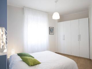 new modern flat isola, Milán