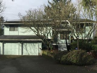 Artistic, comfortable, 3 bedroom, near Seattle, Edmonds
