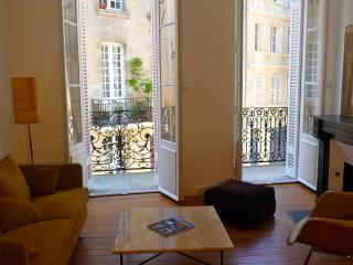 CHARMING APARTMENT 2 BEDROOMS IN HISTORICAL CENTER, Bordeaux