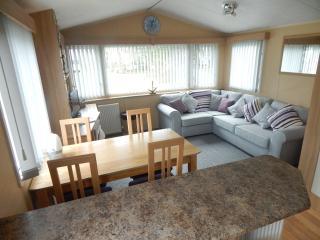 Super 3 bedroom 6 birth modern static caravan, Saundersfoot