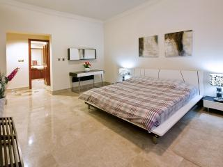 Free beach access with towels and sunbeds!Palm 1BD, Dubái