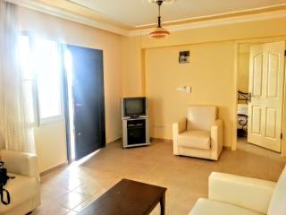Lovely 1 bed close to beach, Didim