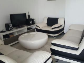 Luxury two bedroom apartment, Colombo