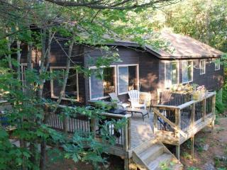 Private 4 Bedroom Muskoka Cottage, Gravenhurst