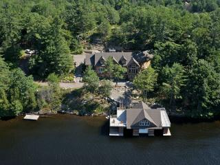 Muskoka Executive Cottage, Muskoka Lakes