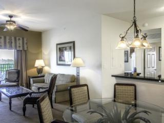 3 bedroom, 3 bath condo (sleeps 8) - Free Park Shuttle - Lake Buena Vista Resort, Old Town