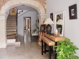 Townhouse Can Miquel with wifi and aircon, Sa Pobla