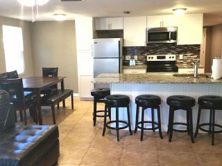 Newly Remodeled 3BR 2BA Home Near Beaches
