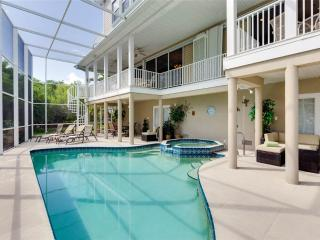 Sunscape Beach Mansion, Luxury 7 Bedrooms, Elevator, Heated Pool, Spa, Pier, Fort Myers Beach
