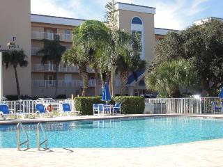 609 Shorewood Dr. D-404 :: Cape Canaveral Vacation Rental