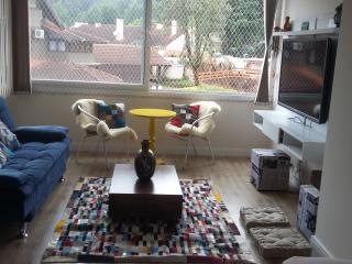 Lindo apartamento bem no centro de Gramado