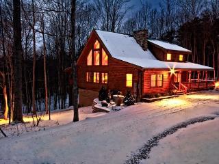Three Bedroom Lodge, Pet-Friendly, Sleeps Eight, South Bloomingville